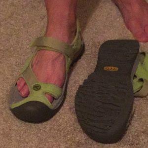 Keen Shoes - Keens sandals- 8- 8.5M